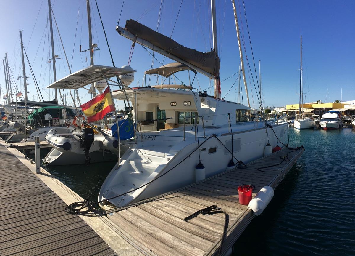 Arena Catamaran Barco Muelle