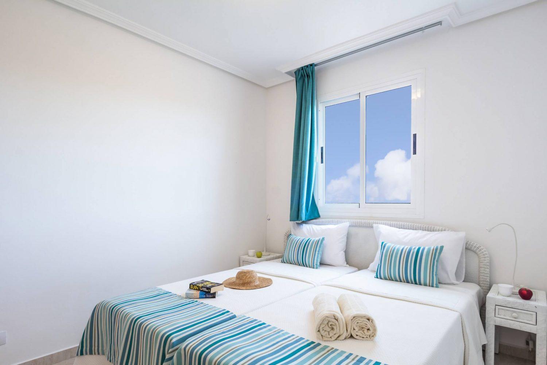 Arena Hoteles Catamaran bedroom