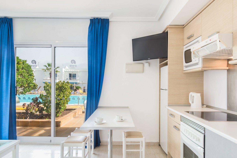 Arena Hoteles Catamaran kitchen